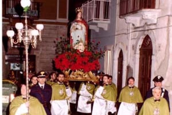 santa-lucia-010CCF4FAB-63EB-99D1-245A-83914C6715C5.jpg